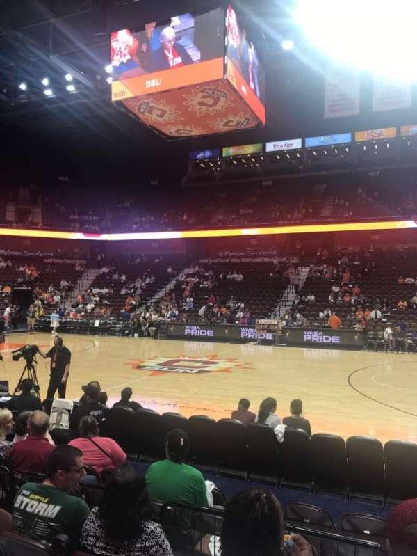 Mohegan Sun Arena, secção: 24, fila: F, lugar: 7