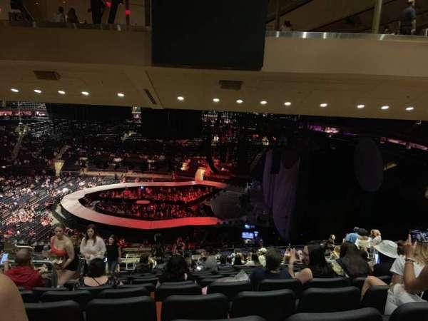 Madison Square Garden, secção: 213, fila: 17, lugar: 7