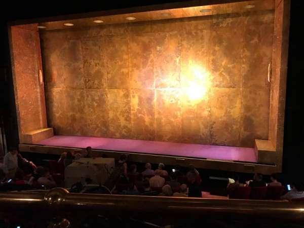 Cort Theatre, secção: Mezzanine R, fila: A, lugar: 2