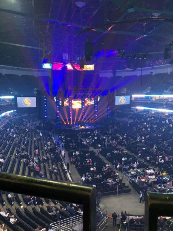 Honda Center, secção: 404, fila: A, lugar: 2