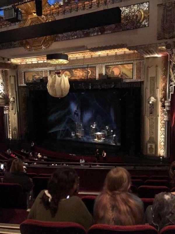 Hollywood Pantages Theatre, secção: Mezzanine Right, fila: G, lugar: 2-8