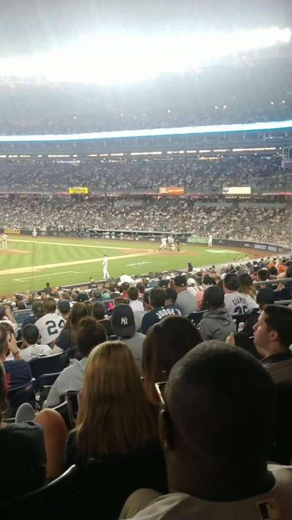 Yankee Stadium, secção: 127A, fila: 12, lugar: 13