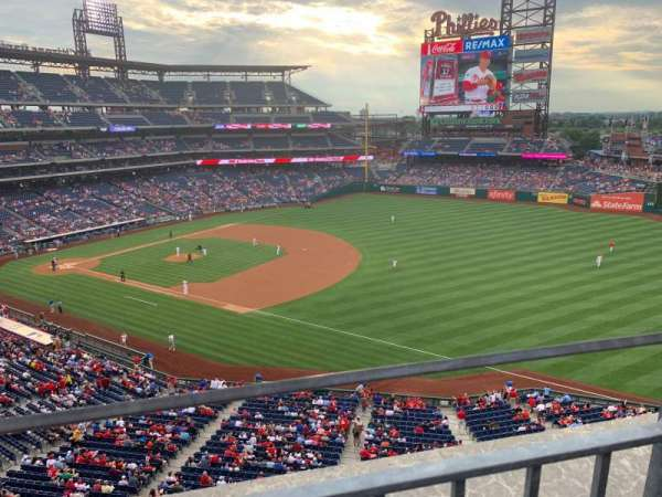 Citizens Bank Park, secção: 310, fila: 1, lugar: 2