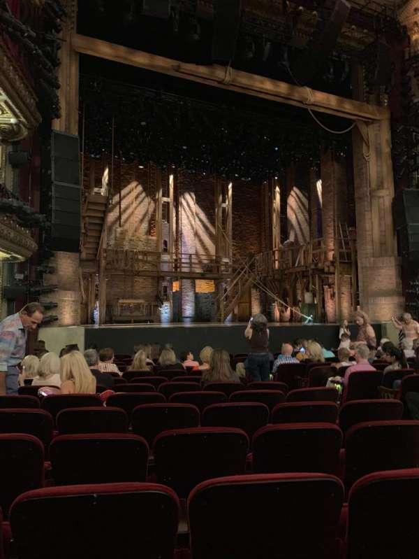 CIBC Theatre, secção: Orchestra L, fila: P, lugar: 11