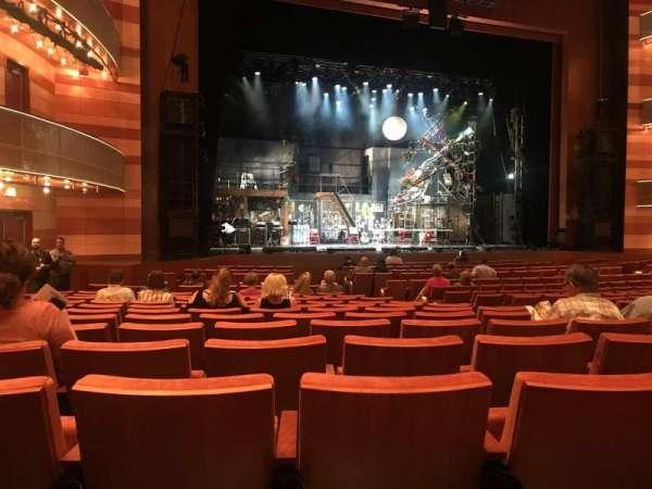 Eccles Theater, secção: Orchestra Left, fila: R, lugar: 114