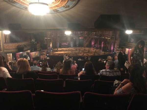Richard Rodgers Theatre, secção: Orchestra L, fila: W, lugar: 11
