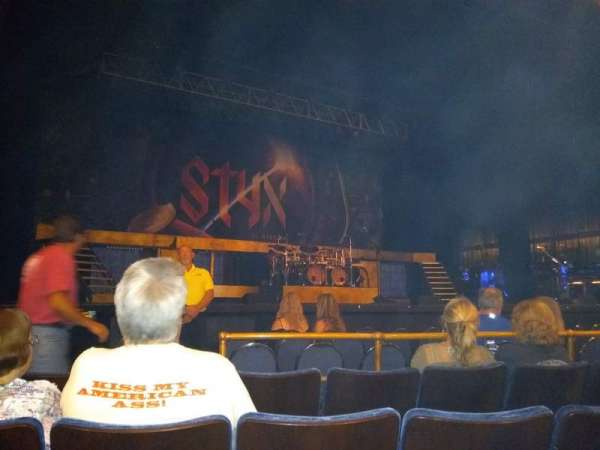 Peoria Civic Center Theater, secção: Main Floor, fila: D, lugar: 8