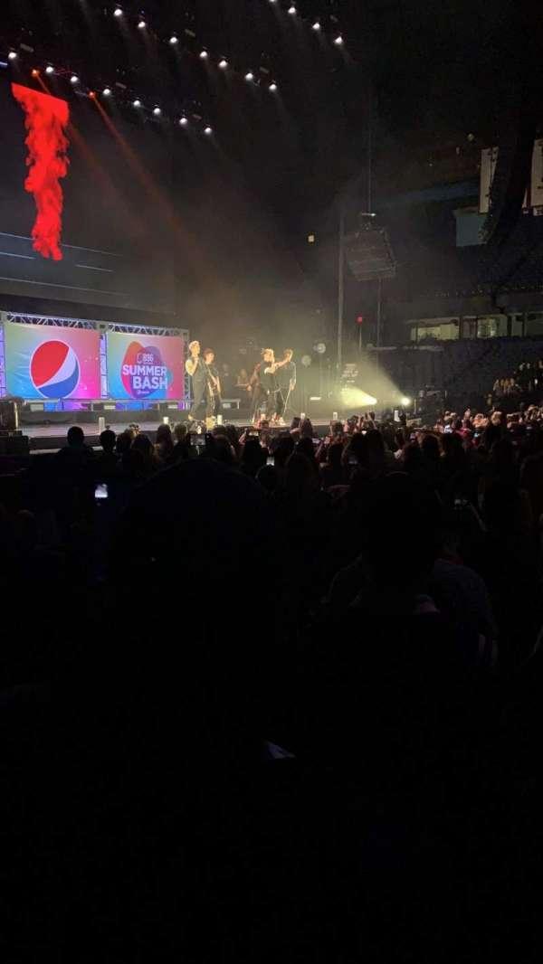 Allstate Arena, secção: 103, fila: CC, lugar: 2