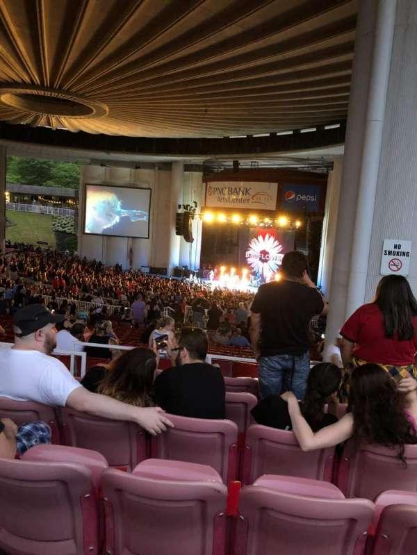 PNC Bank Arts Center, secção: 402, fila: f, lugar: 144