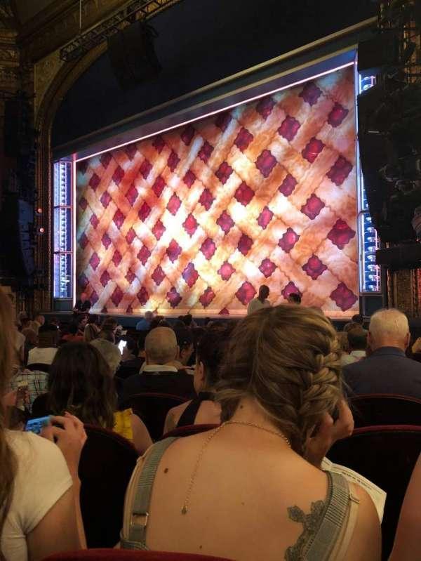 Brooks Atkinson Theatre, secção: Orchestra R, fila: K, lugar: 20