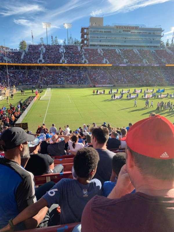 Stanford Stadium, secção: 137, fila: V, lugar: 5