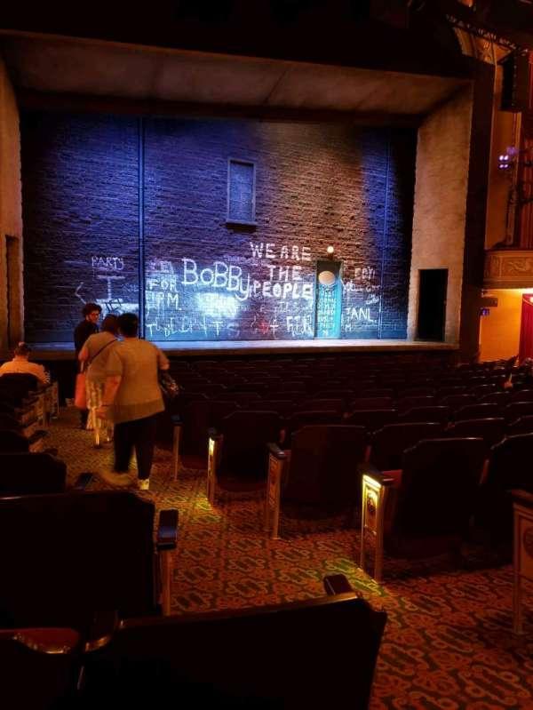 Bernard B. Jacobs Theatre, secção: orchestra l, fila: m, lugar: 5
