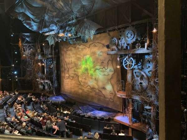 Gershwin Theatre, secção: FMEZZ, fila: AA, lugar: 2