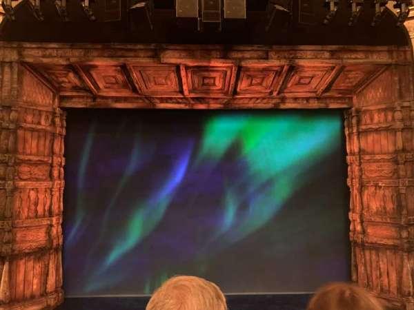 St. James Theatre, secção: Mezzanine C, fila: B, lugar: 108