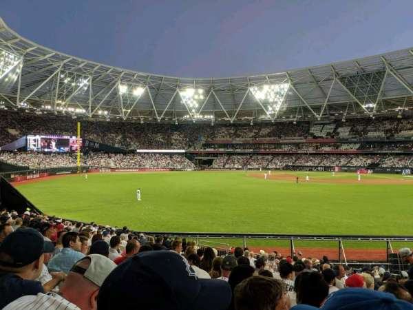 London Stadium, secção: 140, fila: 25, lugar: 169