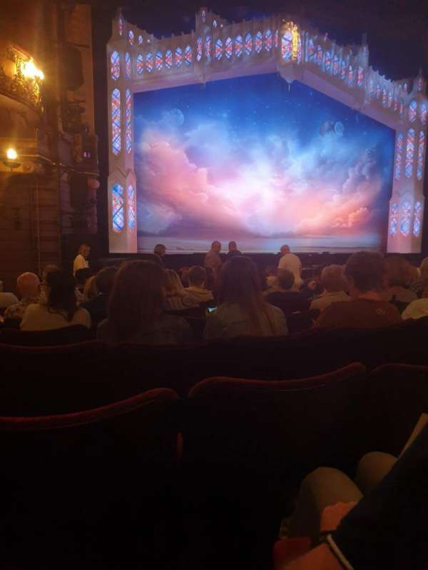 Palace Theatre (Manchester), secção: Stalls, fila: L, lugar: 37
