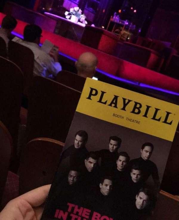 Booth Theatre, secção: Orchestra R, fila: C, lugar: 6