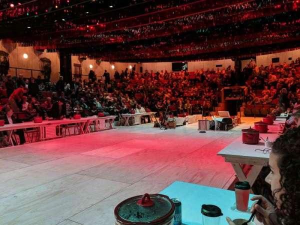 Circle in the Square Theatre, secção: Stage, fila: FL