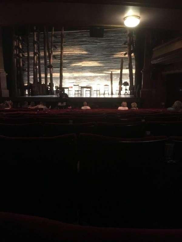 Phoenix Theatre, secção: Stalls, fila: P, lugar: 8