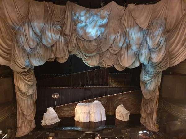 Her majesty's theatre, secção: Grand Circle, fila: A, lugar: 20