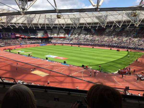 London Stadium, secção: 214, fila: 50, lugar: 253