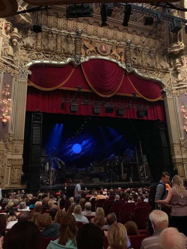 James M. Nederlander Theatre, secção: Orchestra L, fila: T, lugar: 5
