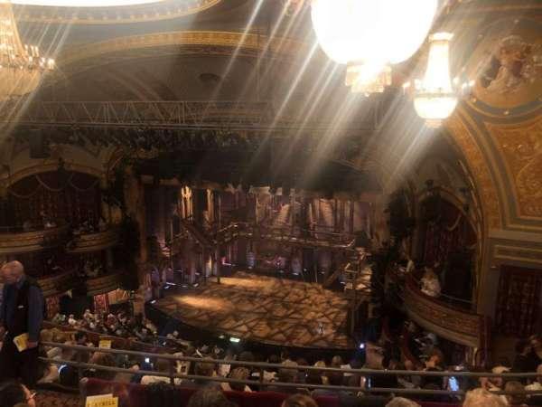 Richard Rodgers Theatre, secção: Rear Mezzanine R, fila: K, lugar: 22-24