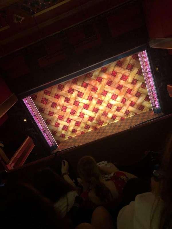 Adelphi Theatre, secção: upper circle, fila: d, lugar: 17