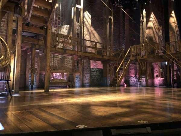 Richard Rodgers Theatre, secção: Orch Left, fila: A, lugar: 9