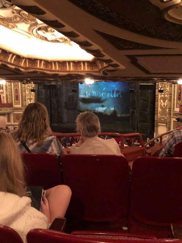 Cadillac Palace Theater, secção: Dress Circle FR, fila: NN, lugar: 14