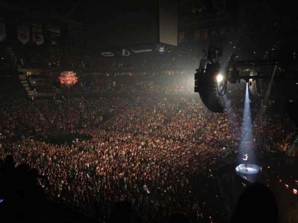 Amalie Arena, secção: 228, fila: WC
