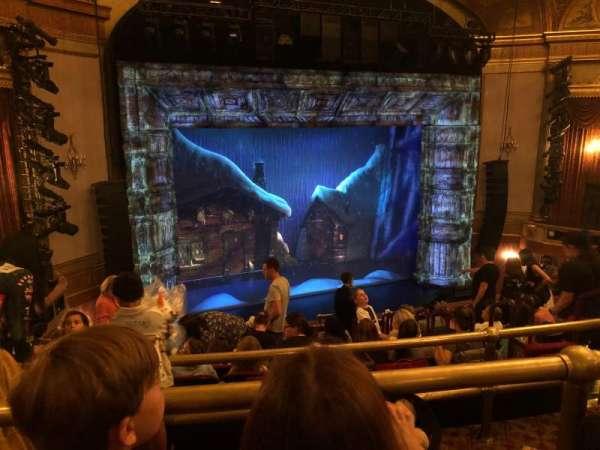 St. James Theatre, secção: Mezzanine L, fila: K