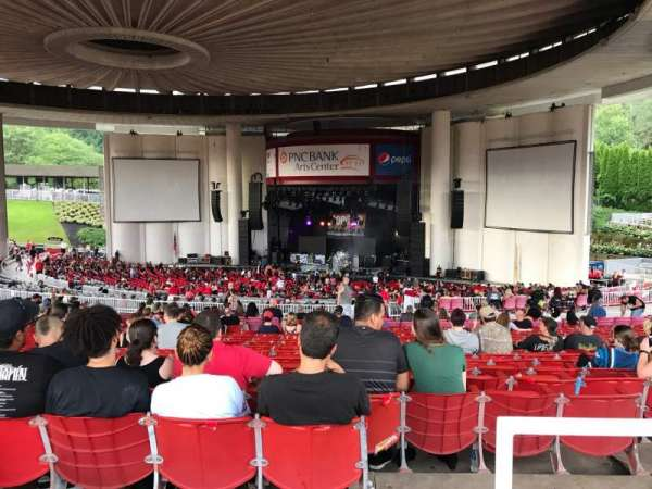 PNC Bank Arts Center, secção: 402, fila: F, lugar: 106