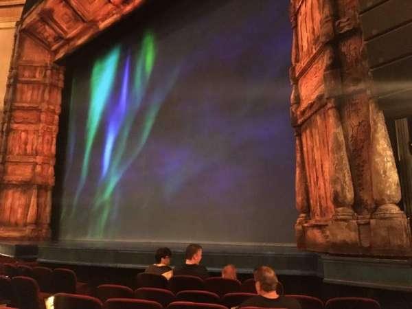 St. James Theatre, secção: Orchestra R, fila: F, lugar: 16