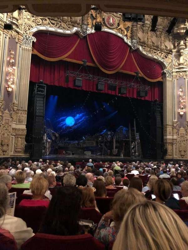 Nederlander Theatre (Chicago), secção: Orchestra L, fila: V, lugar: 17