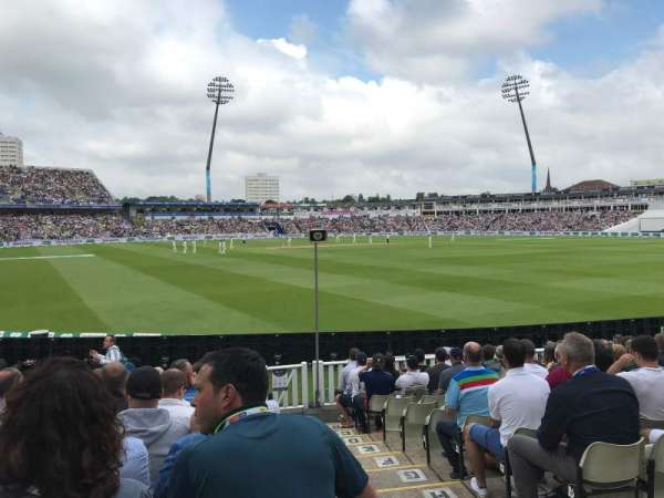 Edgbaston Cricket Ground, secção: Eric Hollies Stand, fila: N, lugar: 1