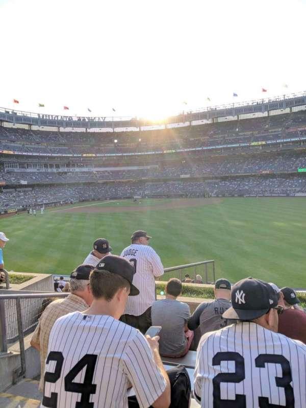 Yankee Stadium, secção: 202, fila: 6, lugar: 23