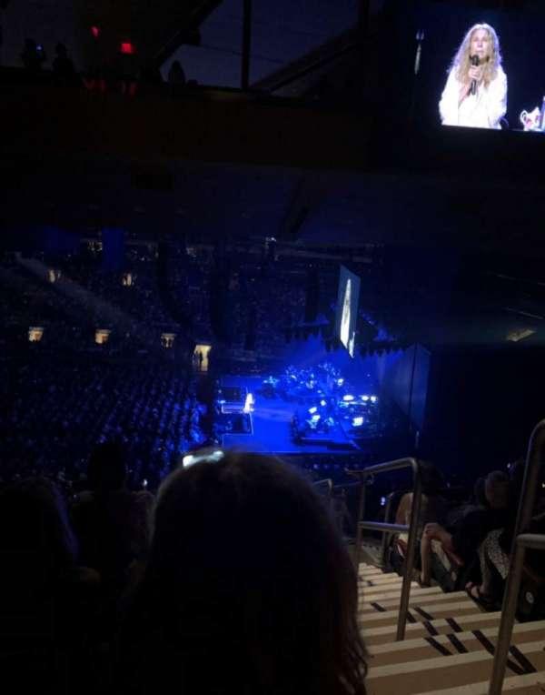 Madison Square Garden, secção: 212, fila: 17, lugar: 19