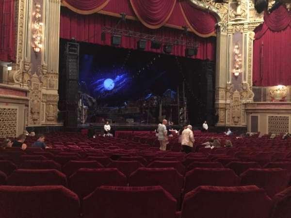 Nederlander Theatre (Chicago), secção: Orchestra L, fila: X, lugar: 17