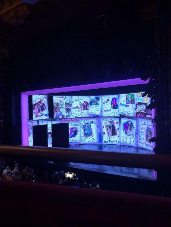 August Wilson Theatre, secção: Mezzanine R, fila: A, lugar: 18