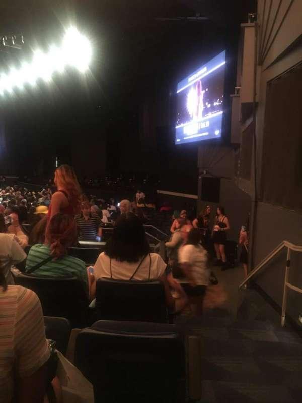 Hulu Theater at Madison Square Garden, secção: 206, fila: F, lugar: 11