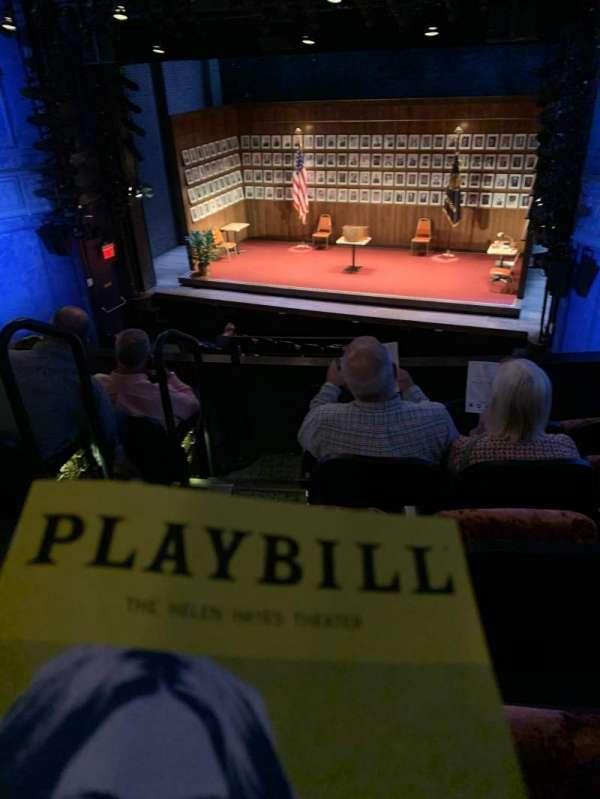 Hayes Theater, secção: Mezzanine R, fila: E, lugar: 4
