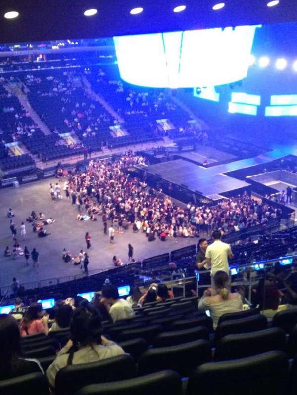 Madison Square Garden, secção: 208, fila: 16, lugar: 18