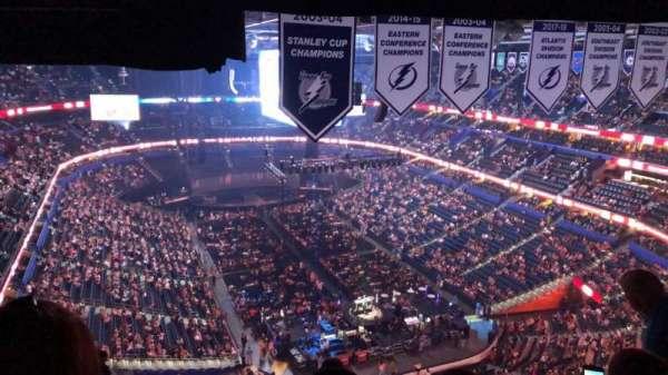 Amalie Arena, secção: 310, fila: P, lugar: 18