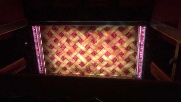 Adelphi Theatre, secção: Upper Circle, fila: D, lugar: 15