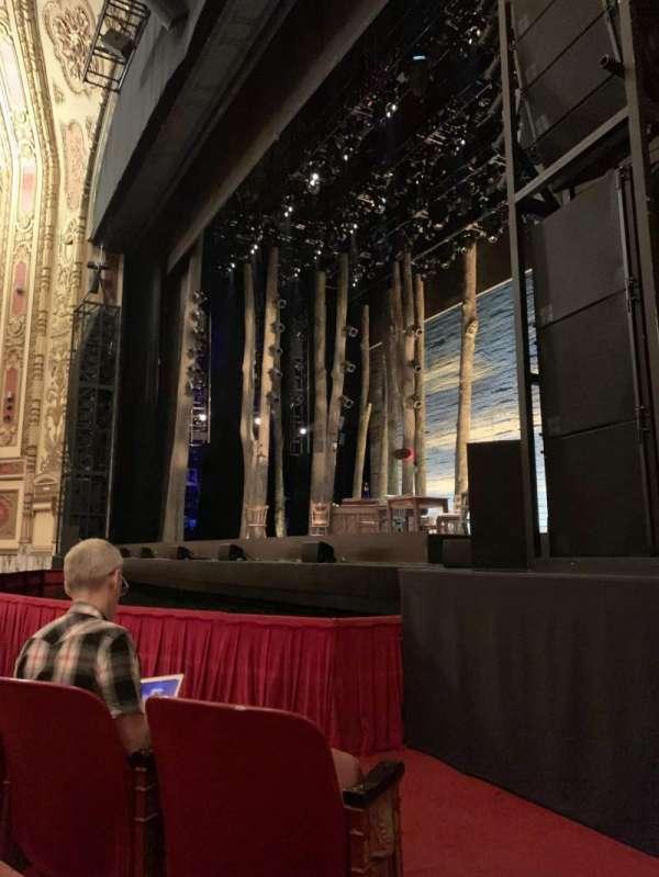 Cadillac Palace Theater, secção: Orchestra R, fila: C, lugar: 16