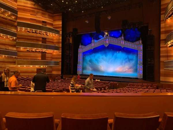 Eccles Theater, secção: Orchestra Right, fila: UU, lugar: 115