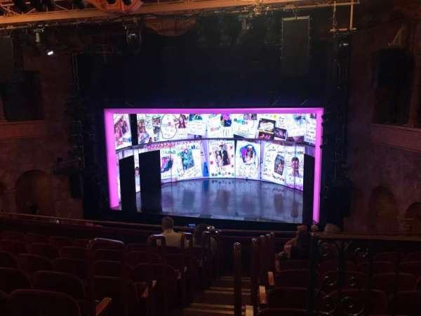 August Wilson Theatre, secção: MEZZR, fila: H, lugar: 2