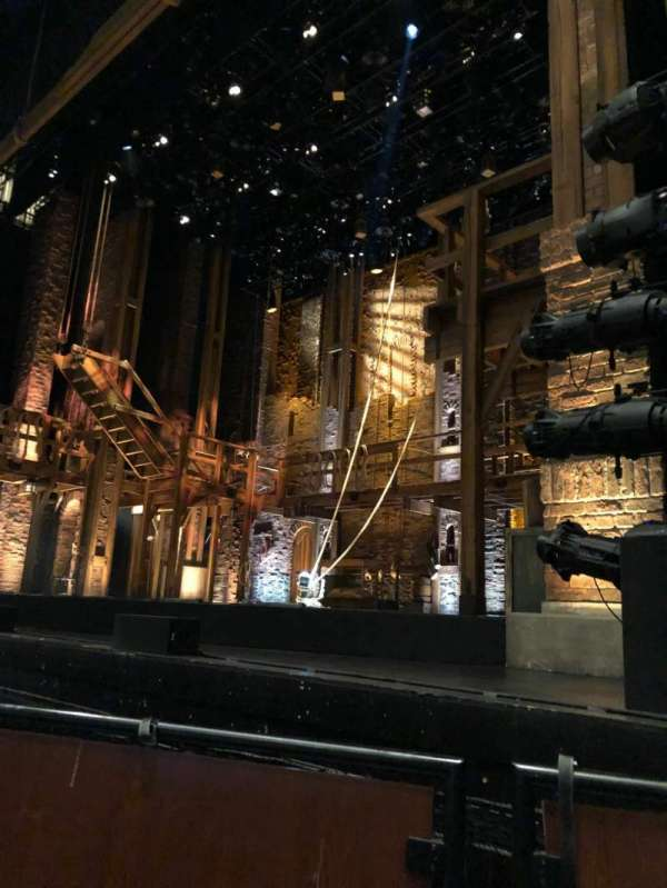 Thelma Gaylord Performing Arts Theatre, secção: PIT RGT, fila: P4, lugar: 7