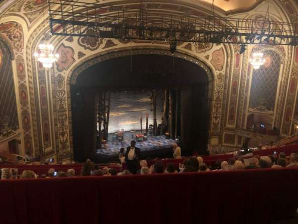Cadillac Palace Theater, secção: Balcony L, fila: LL, lugar: 11